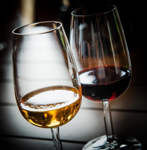 Wine 2265324 640